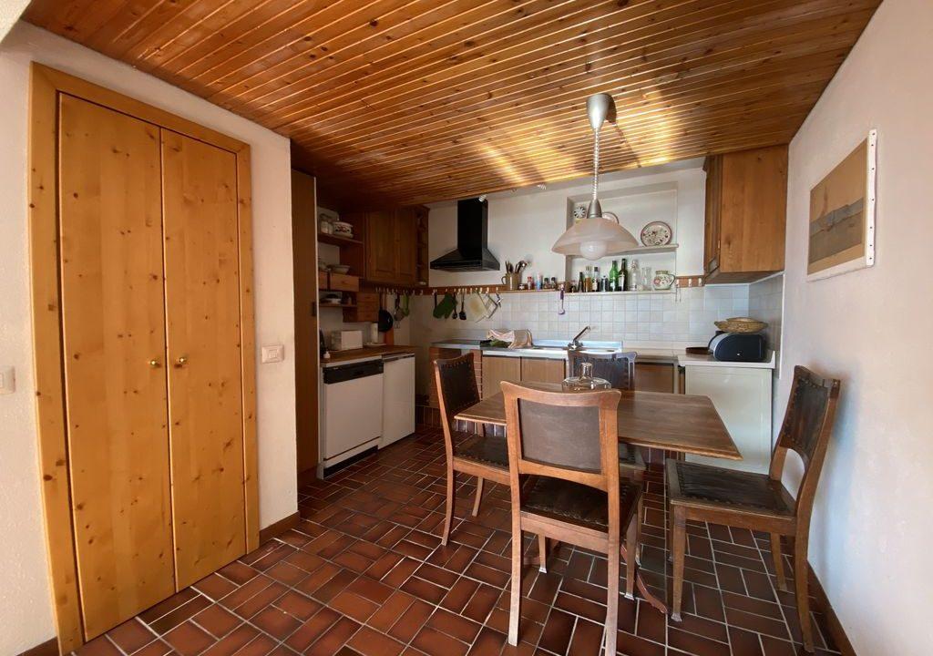 Lake Como Domaso Apartment with Swimming Pool - kitchen