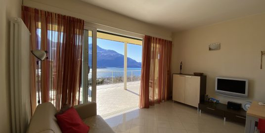 Apartment with Terrace and Lake View Domaso
