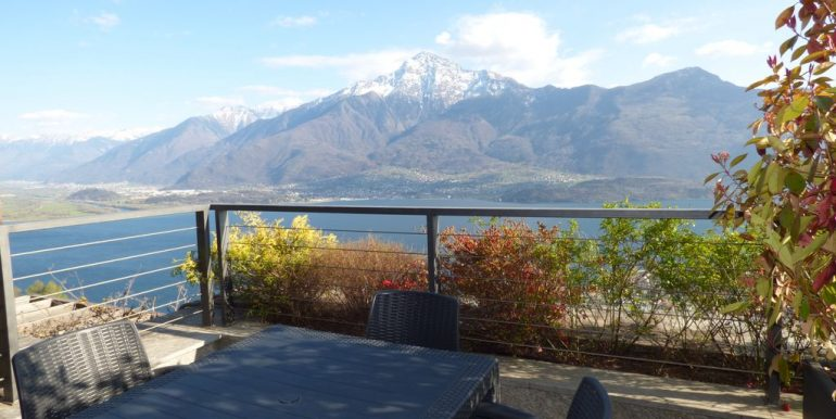 Apartment Vercana with amazing lake view view