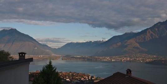Lake Como Gravedona ed Uniti Apartment with Balcony