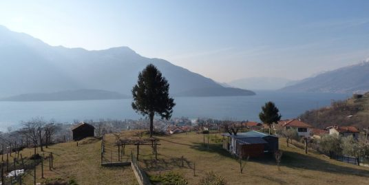 Apartment and Garden with Lake View – Vercana