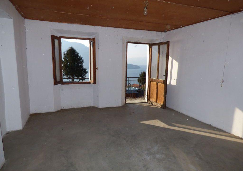 Apartment Vercana with attic