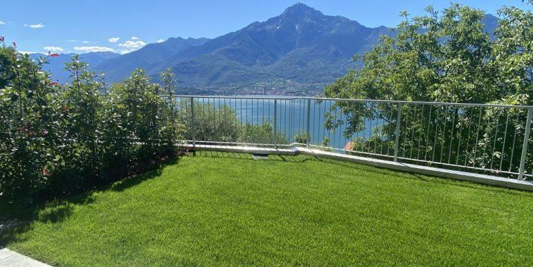 Apartments in Modern Residence Lake Como Domaso - private garden