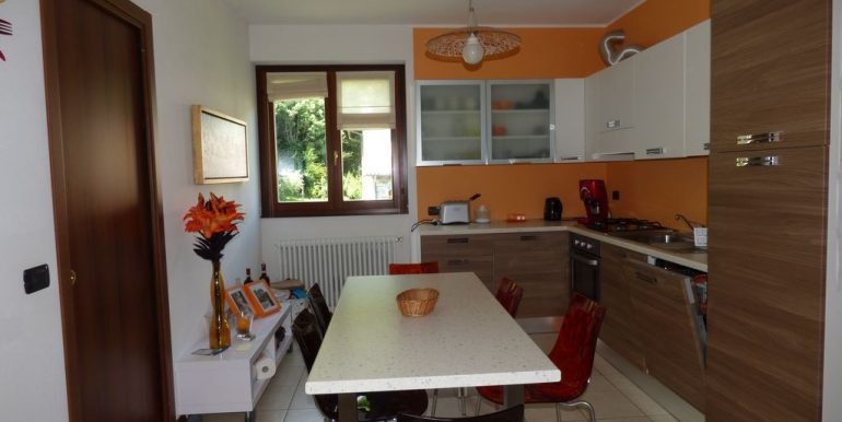 Apartment Sorico - kitchen
