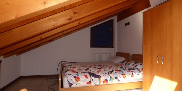 Apartment Sorico wooden beams last floor