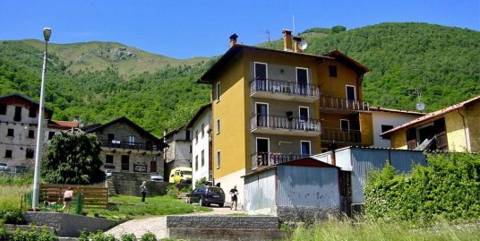 Apartment with Balcony Gravedona ed Uniti Lake Como
