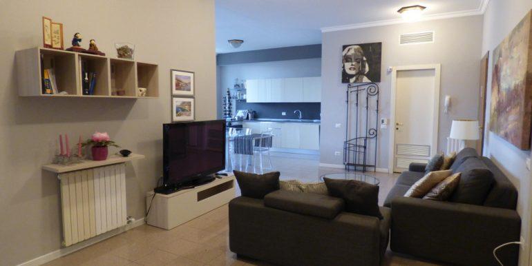 Menaggio Front Lake - Living room