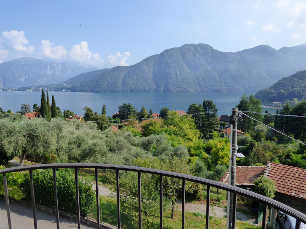 Apartment Tremezzina with terrace and lake view