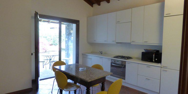 Lake Como Castiglione D'Intelvi Villa - kitchen