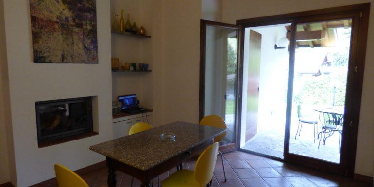 Lake Como Castiglione D'Intelvi  - kitchen