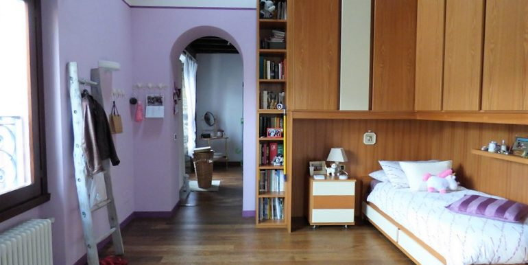 Moltrasio Front Lake House - bedroom