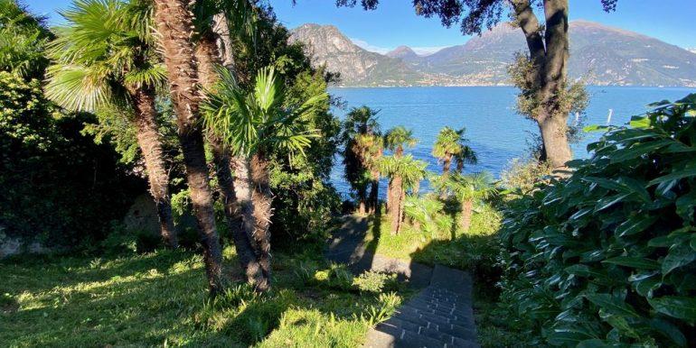 Bellagio Front Lake Villa with Garden  - garden