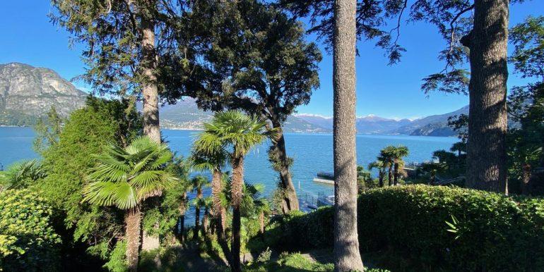Bellagio Front Lake Villa with Garden - sunny