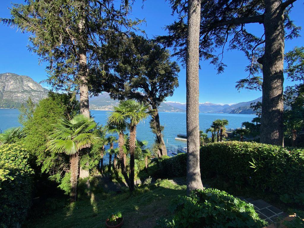 Bellagio Front Lake Villa with Garden