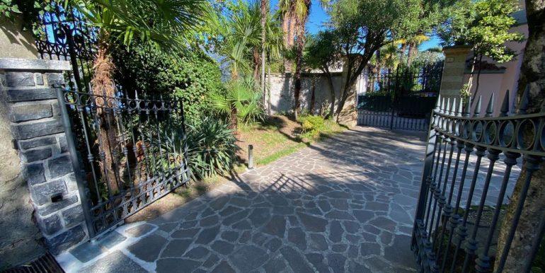 Bellagio Front Lake Villa with Garden  - entrance