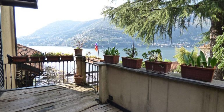 Apartment Blevio with lake view and terrace