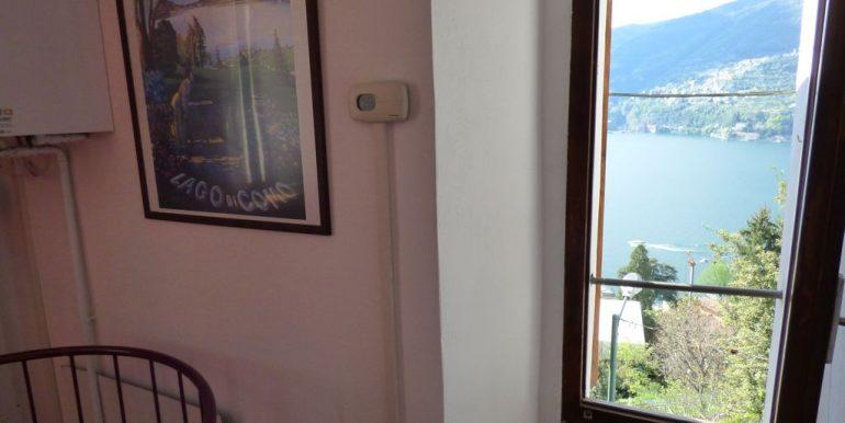 Lake Como Blevio House - Living room with lake view