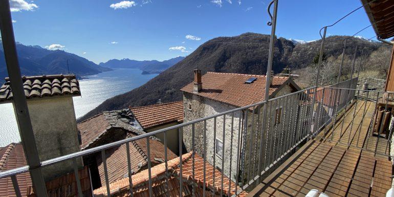 San Siro Beautiful Rustico with Fabulous Lake View