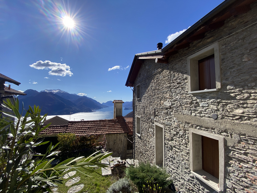 San Siro Beautiful Rustico with Fabulous Lake View - front