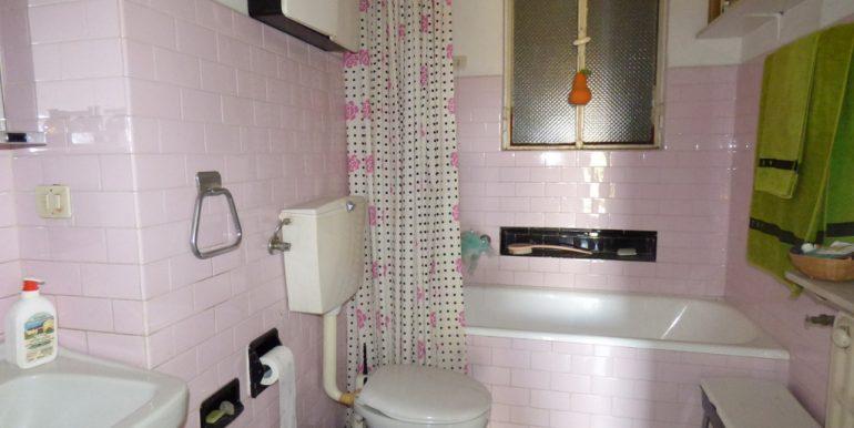 Lake Como - Bathroom