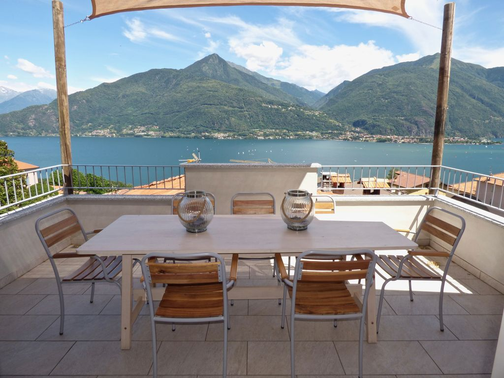 House Cremia with lake view