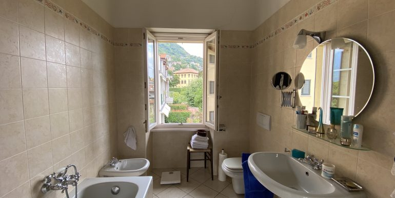 House Gravedona Lake Como - bathroom