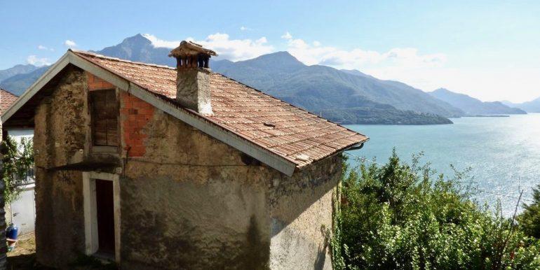 House Gravedona ed Uniti 1,5 km from the lake