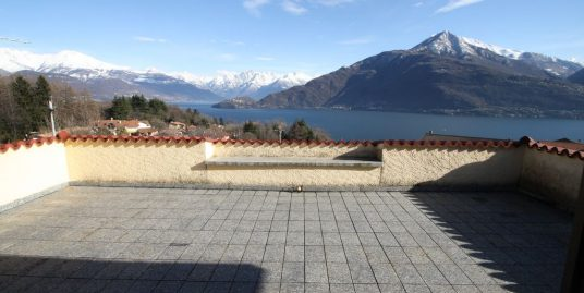 Cremia Detached House with Garden and Lake View