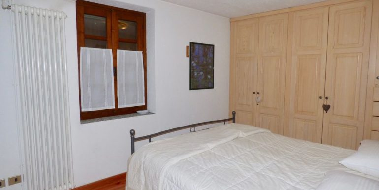 Lake Como Domaso Stone House - double bedroom