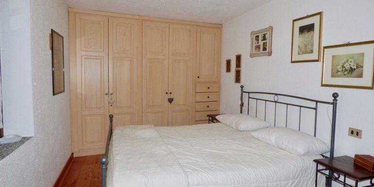Lake Como Domaso Stone House - bedroom