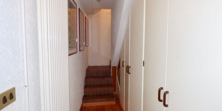 Lake Como Domaso Stone House - corridor