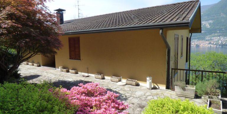 Villa Faggeto Lario with car places