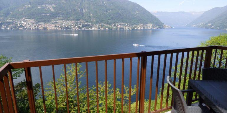 Villa front Lake Faggeto Lario