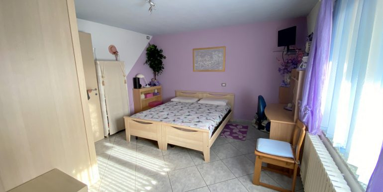 Detached House Gera Lario with 2 Apartments - sunny