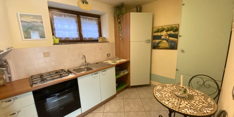 Detached House Gera Lario with 2 Apartments - kitchen