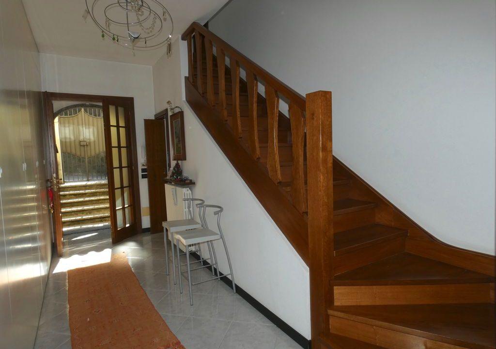 Detached Villa Mandello del Lario - stairs