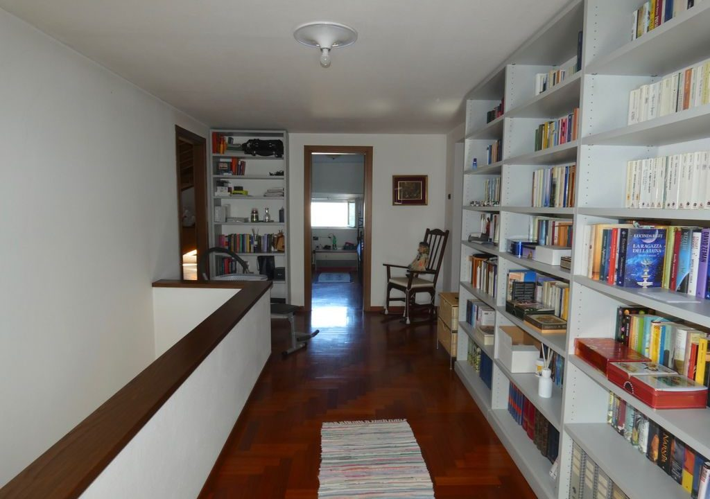 Detached Villa Mandello del Lario - first floor
