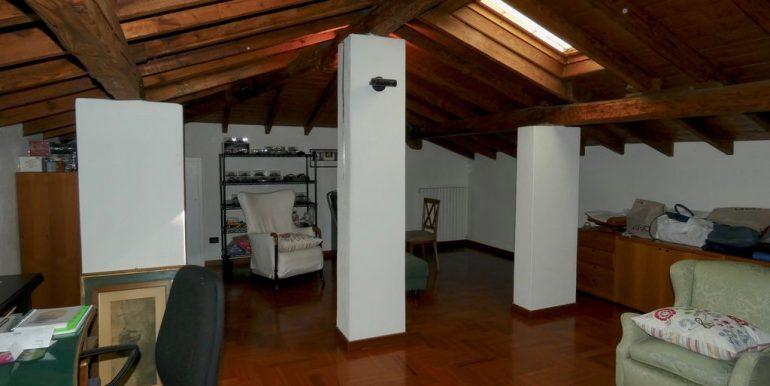 Detached Villa Mandello del Lario - attic floor
