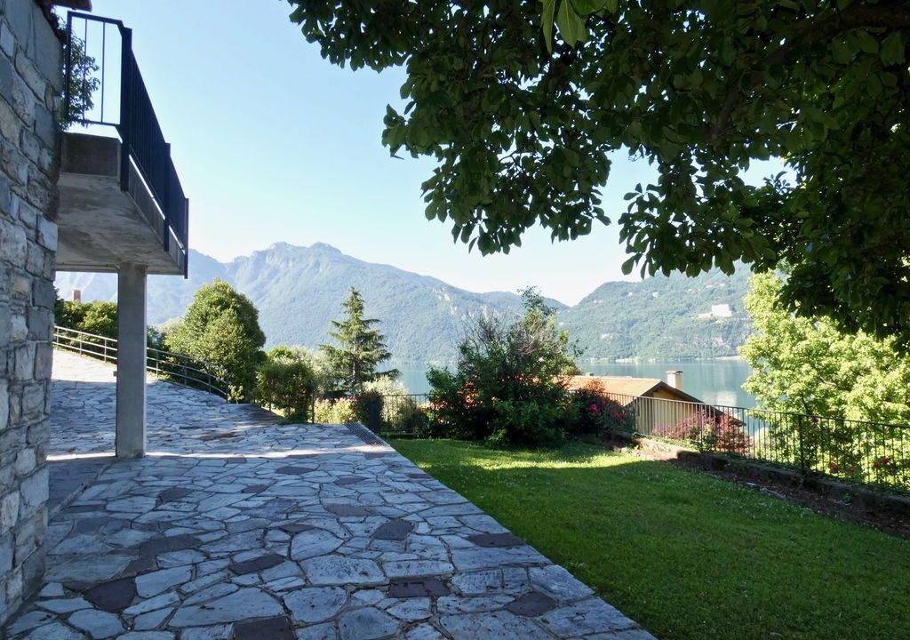 Detached Villa Mandello del Lario sunny