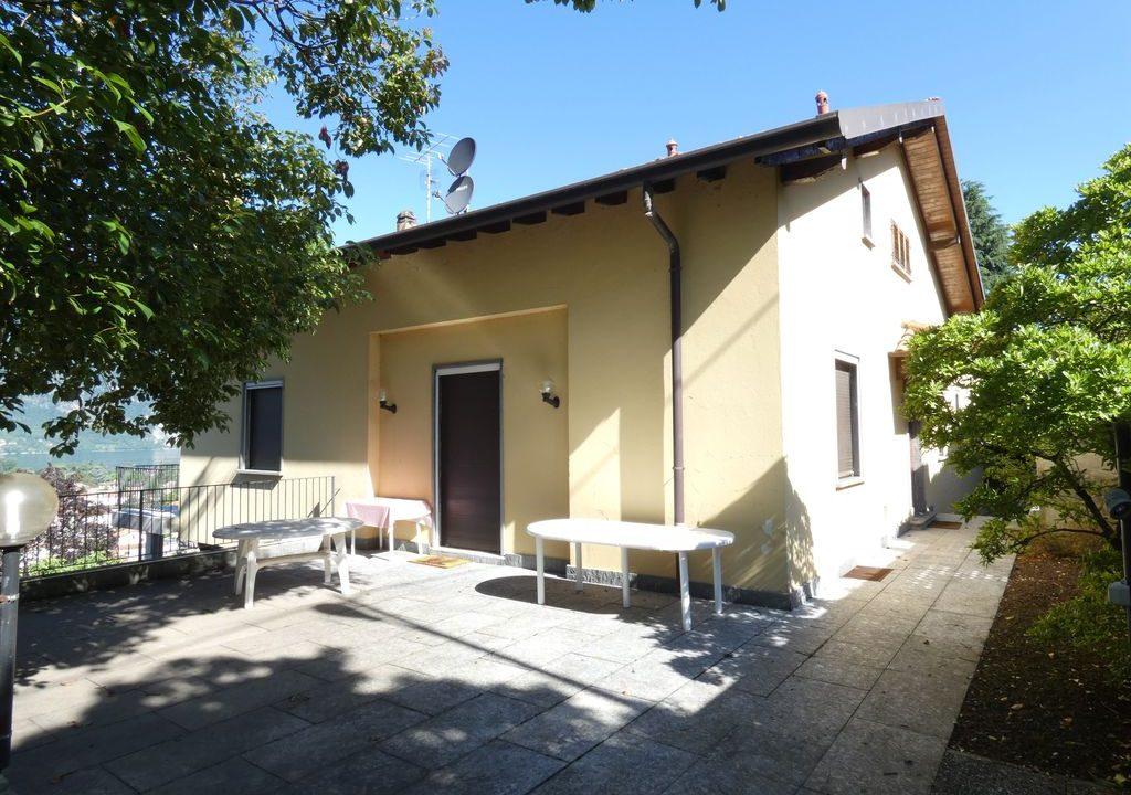 Detached Villa Mandello del Lario near the amenities