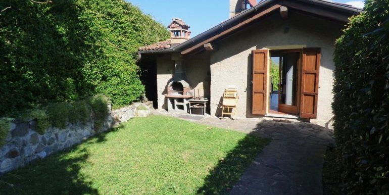 Villa Lake Como Menaggio private garden of 400sqm