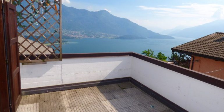 Gera Lario Detached House sunny position