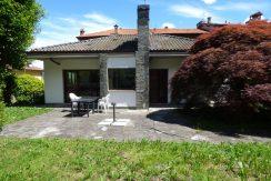 Detached House Pianello del Lario with garage