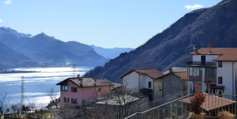 Detached House Stazzona with lake view