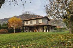 Villa with Garden Lake Como Gravedona ed Uniti