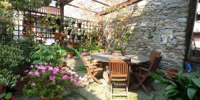 Renovated House with Garden Vercana - Lake Como