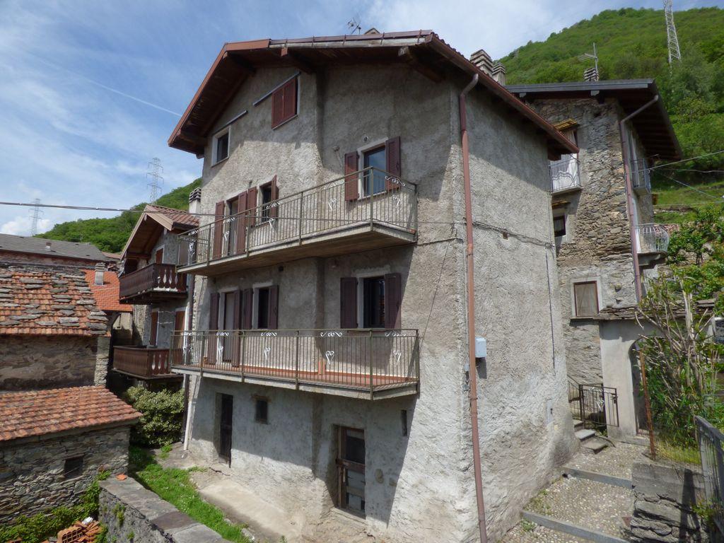 Lake Como Vercana House with Balconies