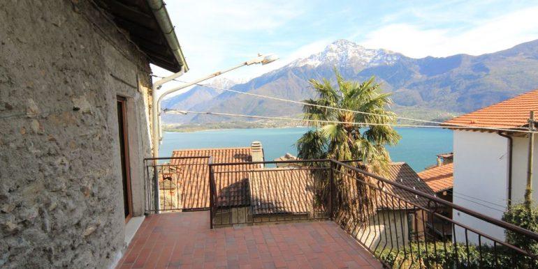 House with 2 Apartments Domaso Lake Como sunny