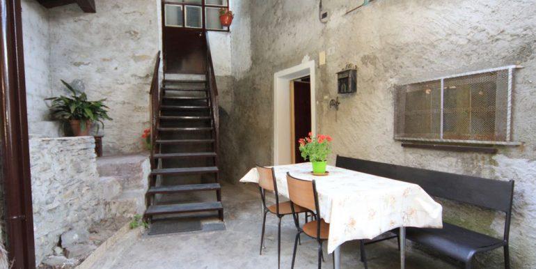 House with 2 Apartments Domaso Lake Como - entrance