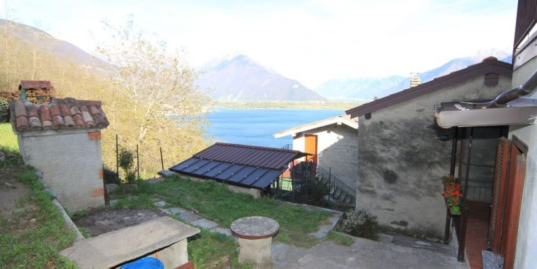 House with 2 Apartments Domaso Lake Como unique location